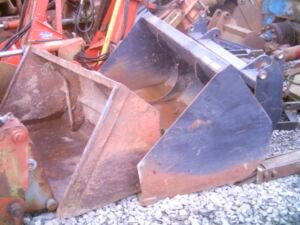 New & Used Buckets For Tractor Loaders